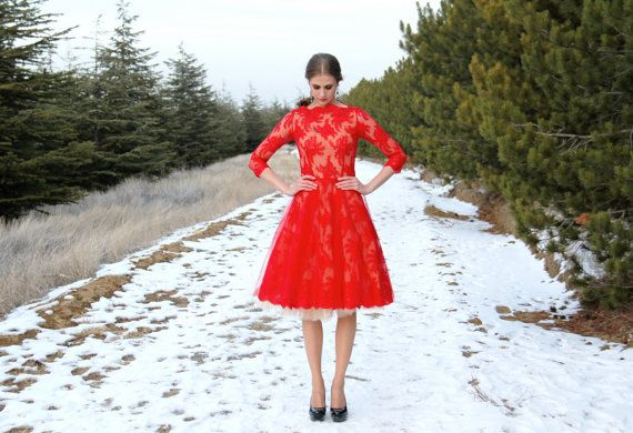 Red lace dress with tulle underskirt от NelliUzun на Etsy