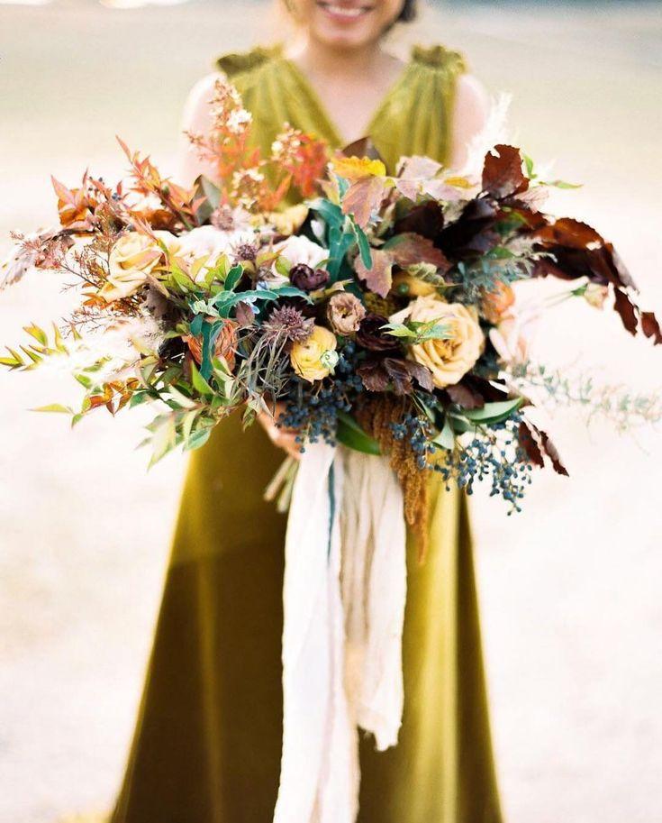Wie schön ist dieser Herbststrauß April Flowers Silk & Willow #autumnbouquet …   – Wedding Details   Bridal Bouquets    Brautstrauß