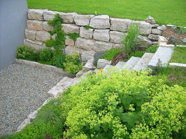 die besten 25 b schung bepflanzen ideen auf pinterest hinterhof hochzeit pool hang garten. Black Bedroom Furniture Sets. Home Design Ideas