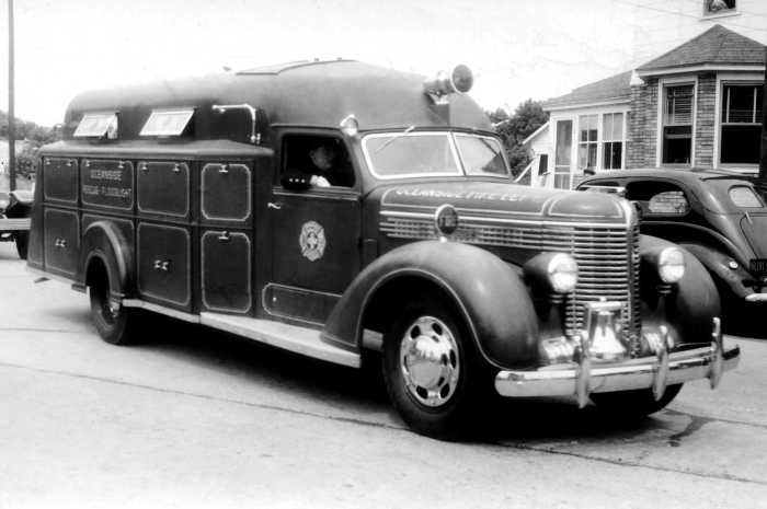 Approved Fire Apparatus 1938 Diamond T / Approved                                                                     Rescue & Lighting                                                                    Oceanside, L.I., N.Y.