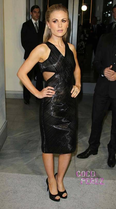 Anna paquin black lace dress