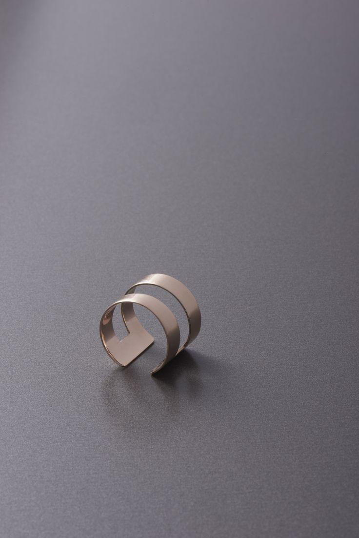 band ring -modern and elegant rose gold ring