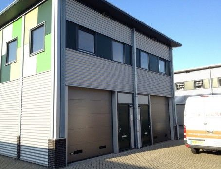 Bepaal uw eigen huurprijs in Oostvoorne! Te huur; 2 bedrijfsruimtes op de Pinnenhof!    #Oostvoorne #Zuidholland #Pinnenhof #Vastgoed #Huurbieding #Huren #Voorne #Voorneputten #Putten #Westvoorne #MKB #ZZP #Maasvlakte #Europoort #Haven #Rotterdam #Rijnmond