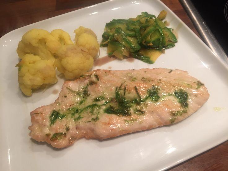Kräuter Putenschnitzel mit Curry Blumenkohl & Zucchini ❤️  Herb-Turkey with curry cauliflower & zucchini ❤️
