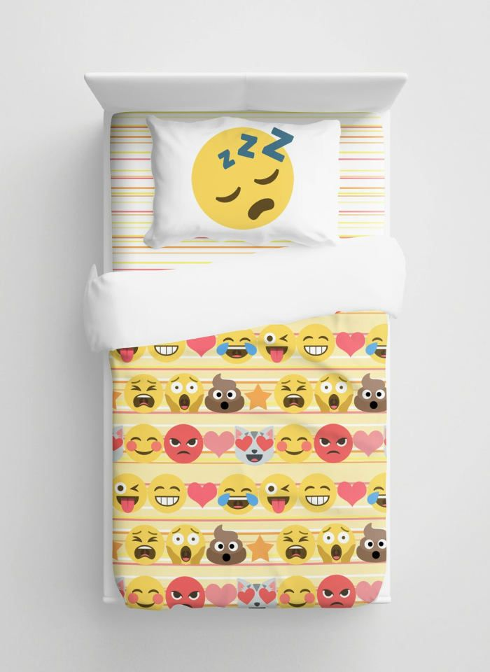 Gifts for Tween Girls - Emoji Bedding Set
