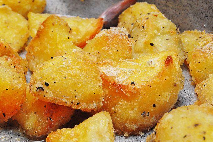 Πατάτες με κρούστα από σιμιγδάλι