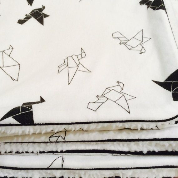 Babydeken met origami kraanvogels van kleinatelier op Etsy