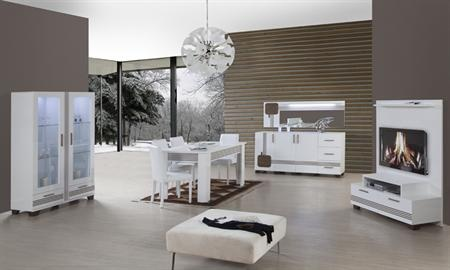 -Rosatto yemek odası takımı içerisinde gümüşlük, konsol, tv sehpası, masa ve 6 adet sandalye bulunmaktadır. -Ceviz – Beyaz ve Ceviz – Krem renk seçenekleri vardır.