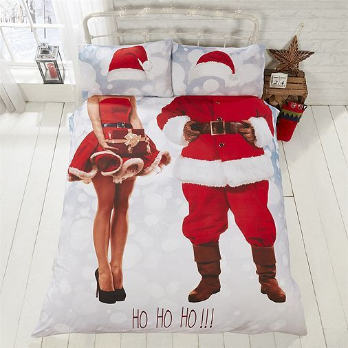 this cotton blend duvet comforter cover features a printed selfie christmas themed design consisting of mr u0026 mrs santa claus costumes presents and the