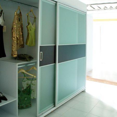 Puerta corrediza para closet l nea segmenta pinterest for Ideas para puertas de closet