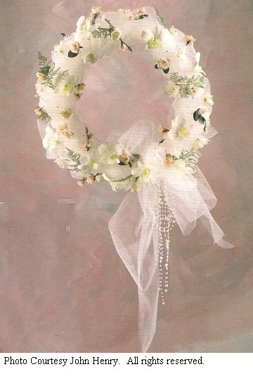 Wreath for gazebo, could add colour, or more bling!