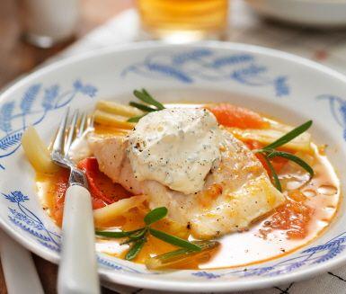 Recept: Torskrygg med inkokt fänkål och rosmarinkräm