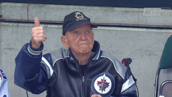 Kroppygot a standing ovation from Winnipeg Jets fans thrilled to see the 97-year-old super-fan return to the MTS Centre Wednesday forthe game against the Ottawa Senators. Len Kropioski,a longtime…