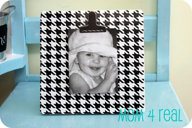 cute houndstooth frame with clip!: Vinyls Covers, Diy Crafts Ideas, Cute Ideas, Covers Frames, Houndstooth Frames, Pictures Frames, Vinyls Ideas, Clip Pictures, Crafty Ideas