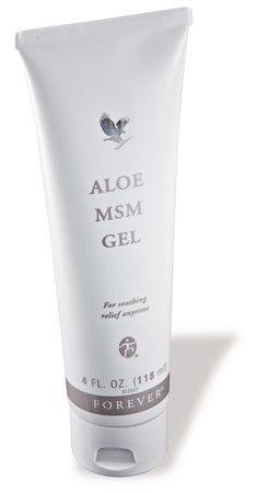 MSM staat voor 'Methyl Sulfonyl Methaan', een organische zwavelverbinding die voorkomt in bijna alle levende organismen. Zwavel zorgt ervoor dat weefsels soepel, elastisch en stevig blijven. Samen met pure gestabiliseerde aloë vera gel en kruidenextracten zorgt Aloe MSM Gel.