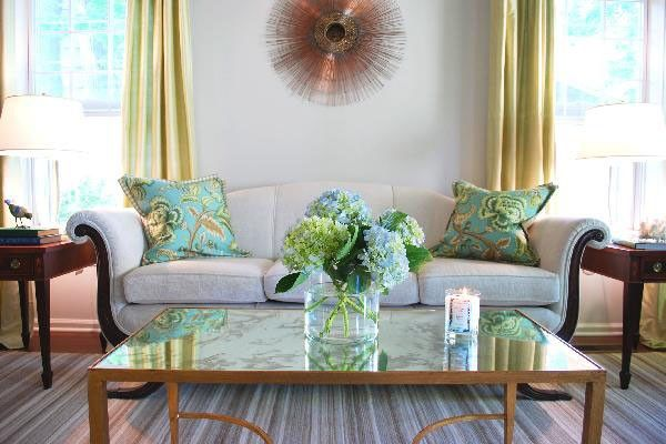 How to change decoration of your living room