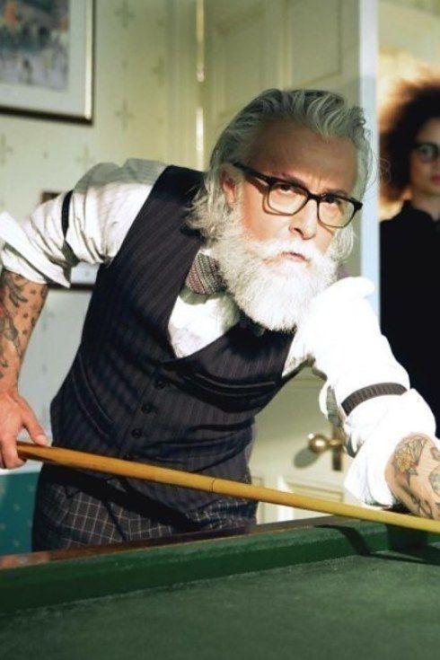 Prueba de que con los años la barba se pone mejor: @Alessandro_manfredini. | 14 Hombres guapos que redefinieron el concepto de abuelos en 2016