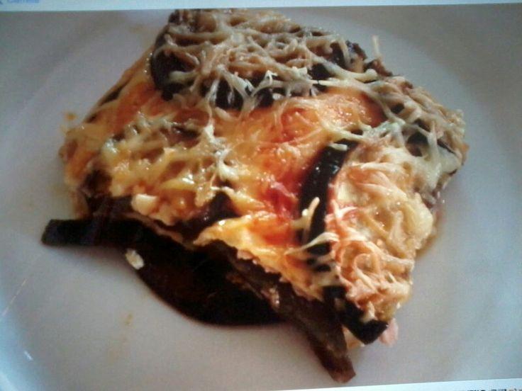 Pastel d berenjena, queso y jamón york.