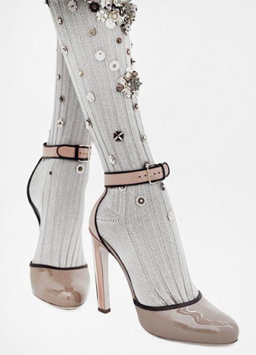 ZsaZsa Bellagio: Just so GLAM: Miu Shoes, Fashion Outfits, Miu Fall Winte, Accessories Shoes, Retro Shoes, High Heels, Miu Miu, Fall Winter, Fall Winte 2009