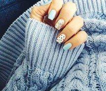 Вдохновляющая картинка красиво, синие ногти, мило, точки, девушки, девчачье, блеск, великолепно, джинсы, прекрасно, маникюр, лак для ногтей, ногти, наряды, приятное, свитер, 2473933 - Размер 500x500px - Найдите картинки на Ваш вкус