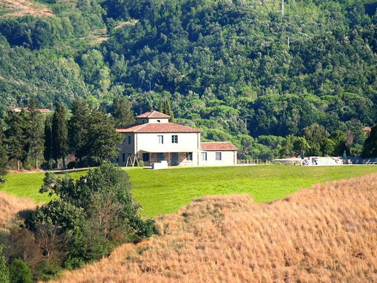 Situated in the heart of the Etruscan land, Podere La Marmora is a beautiful villa for rent in Tuscany. With a strategic location very close to the beach and the sea. http://www.ciaoitalyvillas.com/tuscany-vacation-rentals/livorno/bibbona-villas/10709