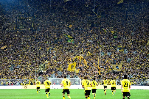 borussia dortmund  Südtribüne: more than 20 thousand people are standing there!
