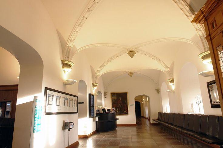 Det fuldpudsede akustikloft med BASWAphon Akustikpuds er helt usynligt på Frederiksborg Slot.