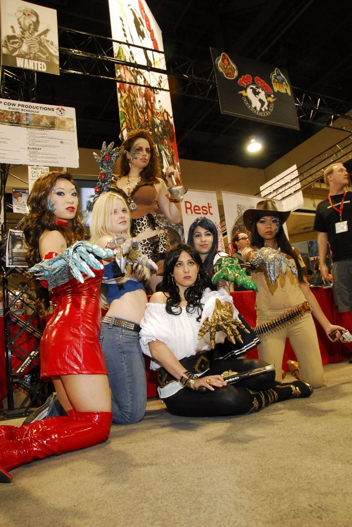 Group cosplay -- several different bearers of the Witchblade #cosplay