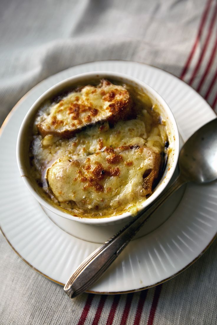 what cheese goes on french onion soup