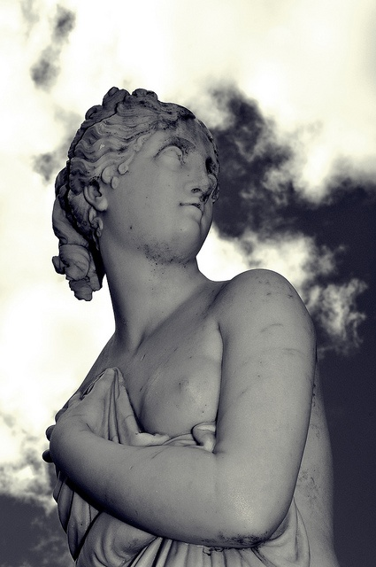 'Venus'  Sculpture Conservatory Gardens, Rosalind Park, Bendigo, Victoria, This is a  copy of Antonio Canova's (1757-1822) Italian Venus (Venere italica) now in the Palazzo Pitti (Florence, Italy)