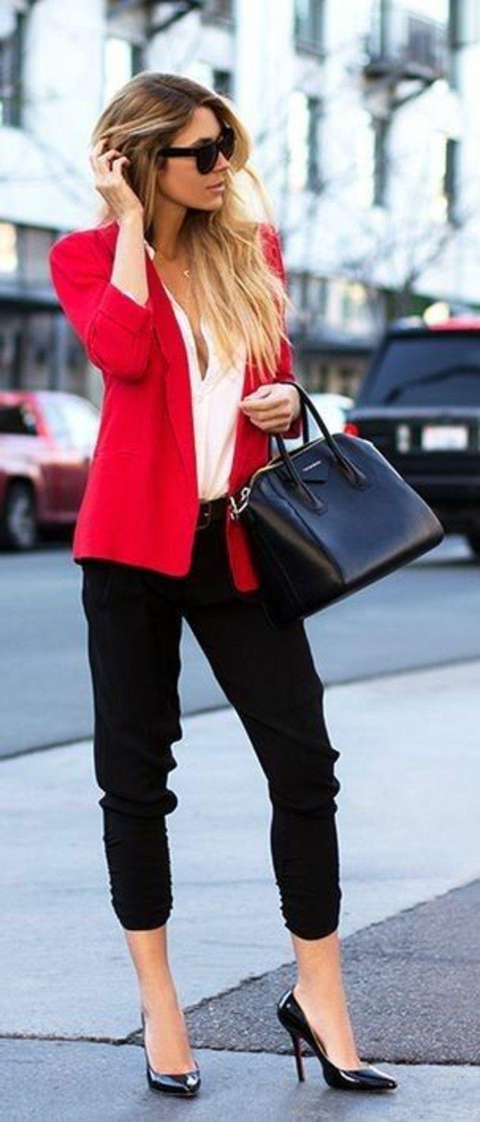 business kleider weises hemd rote jacke schwarze hose hohe schwarze schuhe grose schwarze tasche moderne spnnenbrille