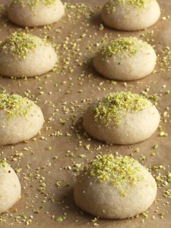 (pistachio) khatai cookies, a vegan recipe