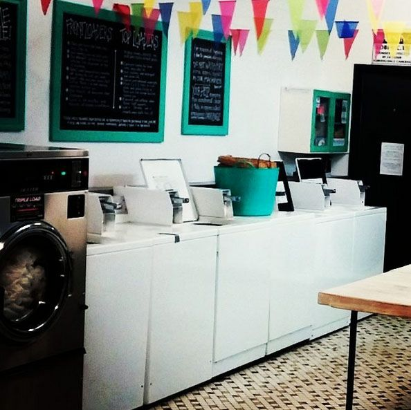 We are a cute vintage beachy clean bright seasidey laundromat in Burleigh Heads on the Gold Coast Australia.