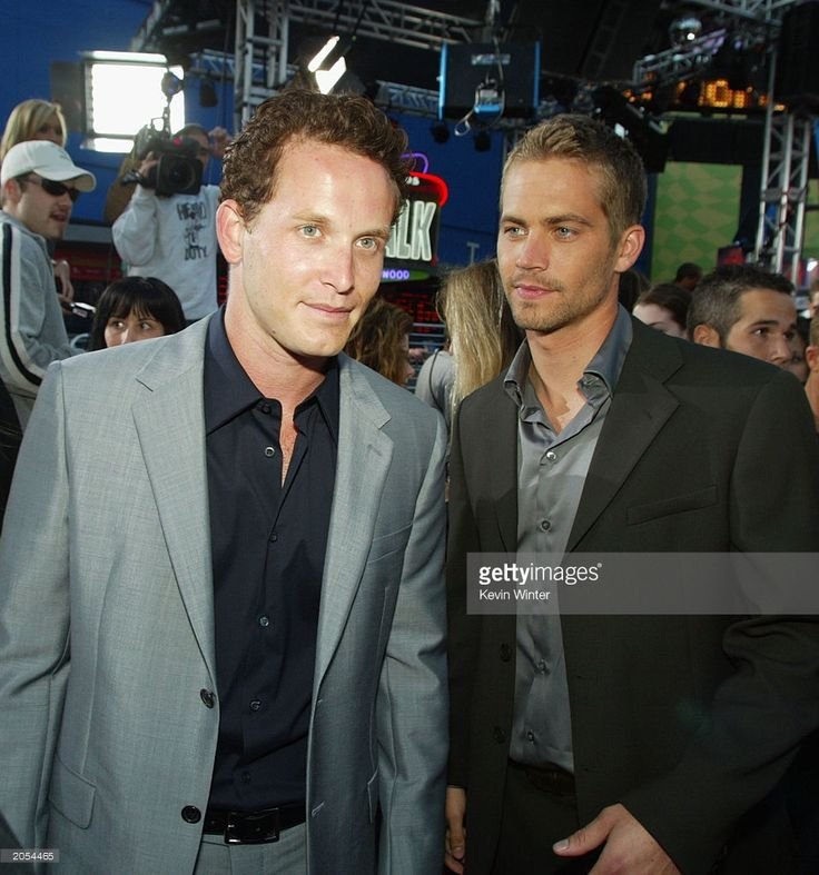 actors-cole-hauser-and-paul-walker-arrive-at-the-premiere-of-2-fast-2-picture-id2054465 (957×1024)