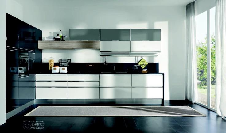Masca evo altres dotata di un profilo in alluminio for Aran world kitchen cabinets