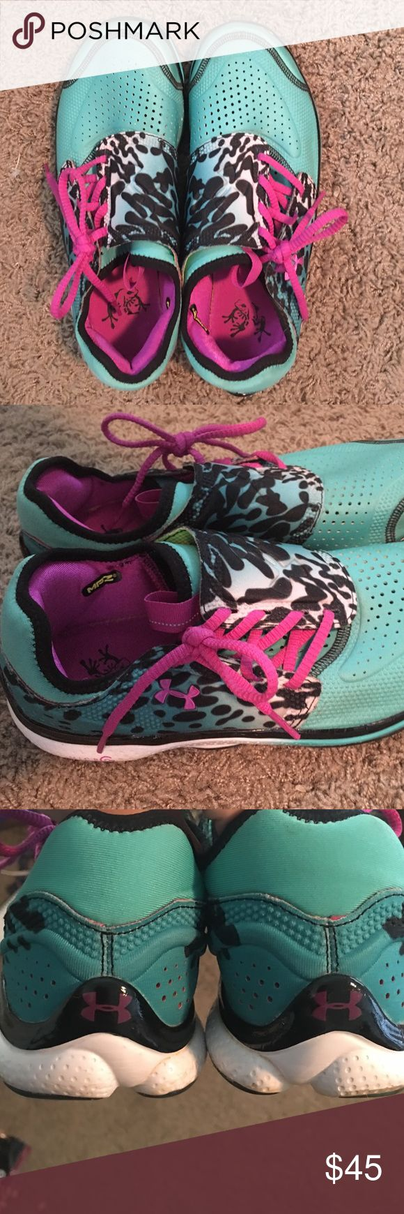 Under Armour tennis shoes Under Armour tennis shoes. Great for running. Very light weight. Great condition. Under Armour Shoes Athletic Shoes