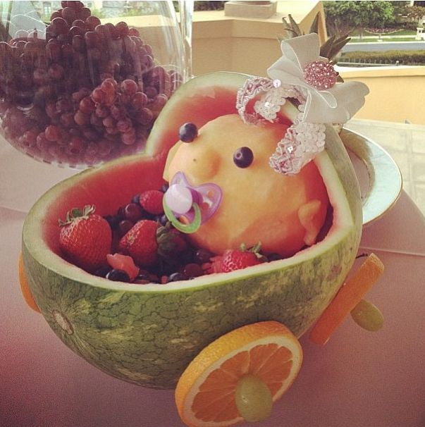 Baby shower fruit display - super cute! #leylamilani