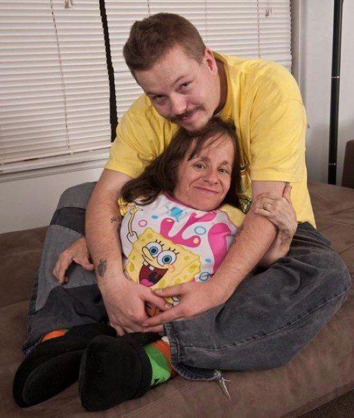 Стейси Геральд — самая маленькая мама в мире, у которой трое детей