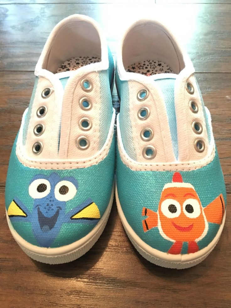 Girls sz 12 Finding Dory Nemo Painted Canvas Shoes