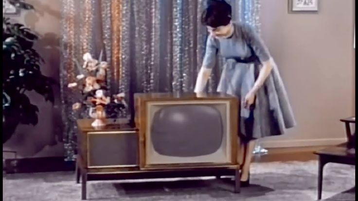 1959 TV Set: Hillsborough with New Hideaway Styling 1959 RCA Television Console https://www.youtube.com/watch?v=MSb9uFQgN8s #TV #television #history