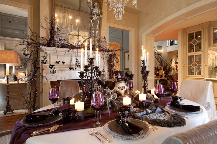 91 best images about halloween tablescapes on pinterest for Haunted dining room ideas