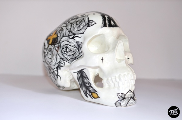 Flo x US AND THEM - Skull by Florian CAPPELAERE