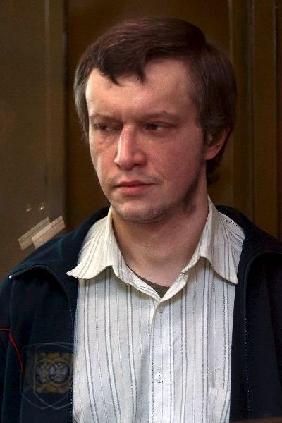"Alexander""Sasha"" Pichushkin (Russian, born 9 April 1974), also known as The Chessboard Killer and The Bitsa Park Maniac, is a Russian serial killer known to have murdered at least 48 people. He is believed to have killed up to 61–63 people in Moscow's Bitsa Park, where several victims' bodies were found.Alexander Pichushkin primarily targeted elderly homeless men sometimes targeted women, both young and old.He would kill them by hitting them on the head with a hammer.verdict: life in prison."