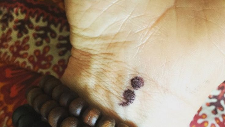 What Does A Semicolon Tattoo Mean? How The Semicolon Project Is Using The Symbol To Support People With Mental Illness — PHOTOS | Bustle