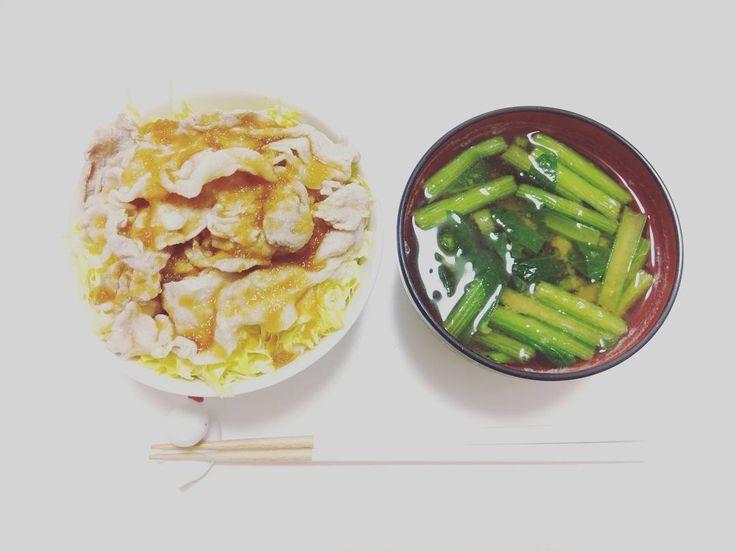#おはよう #朝ごはん #もりもり #豚しゃぶ #小松菜 #味噌汁 #丼 #押し麦 #大根おろしドレッシング #和食 #6連勤最終日 #いってきます #goodmorning  #breakfast #misosoup  #japanesetaste  #japanesestyle  #japanesecuisine  #washoku  #yummy  #記録用 http://w3food.com/ipost/1503944695985503478/?code=BTfFbuWDHz2