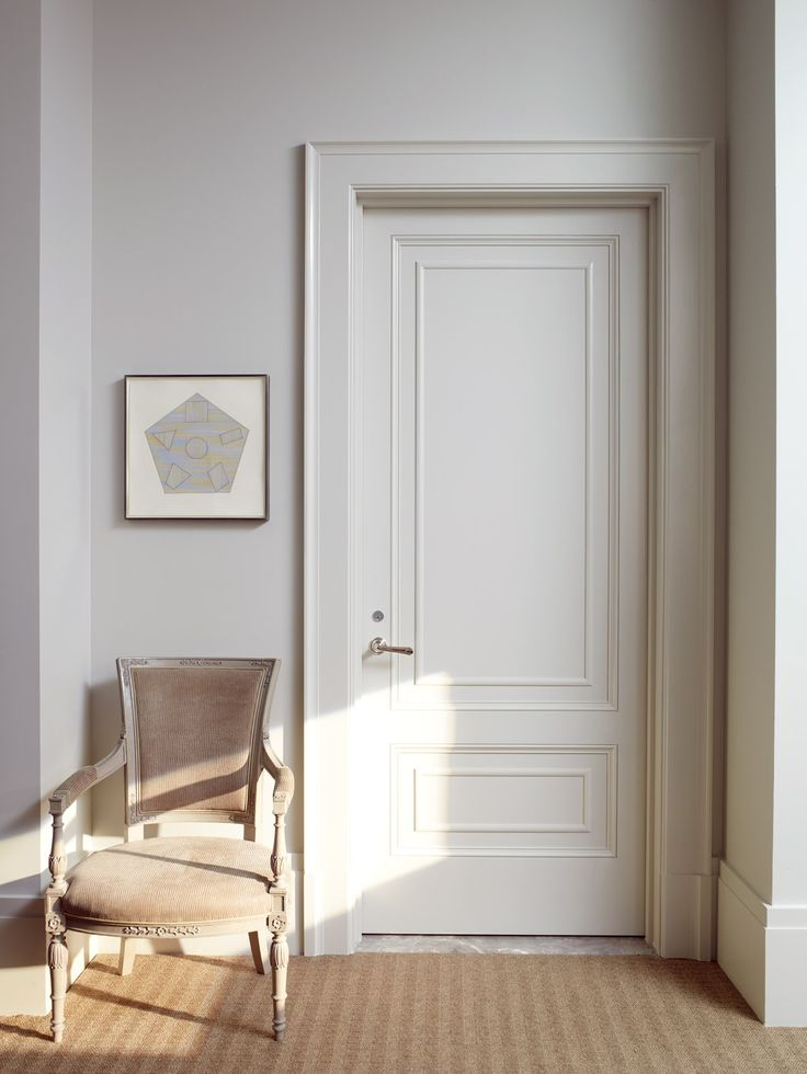 An entry door at 150 West 12th Street, part of the Greenwich Lane, designed by Thomas O'Brien and Aero. Photography by Pieter Estersohn.