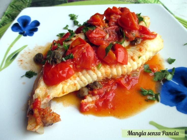 La coda di rospo con pomodorini e capperi è una ricetta molto facile da realizzare per un secondo piatto di pesce leggero e gustoso per tutta la famiglia.