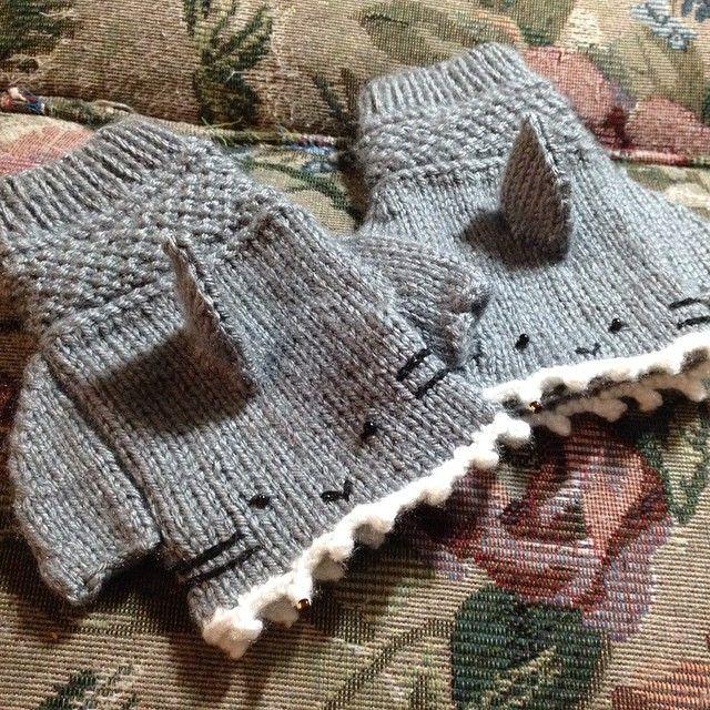 Finally finished my shark gloves tonight! #shark #sharks #knitting #gloves #a...