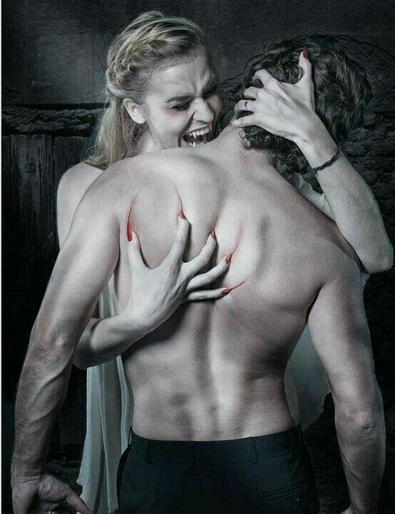 Vorsicht: sexy Vampir!