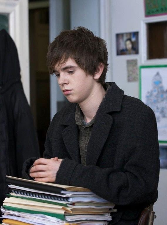 "| Freddie Highmore in ""The art of getting by"" 